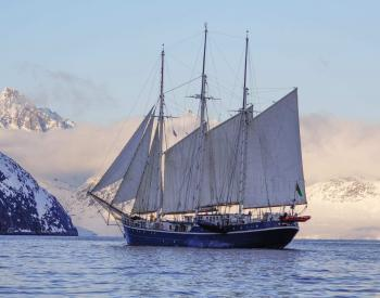 Svalbard Ski & Sail on the s/v Rembrandt van Rijn - May 15-22, 2020